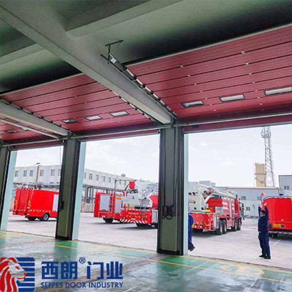 青海察尔汗盐湖化工厂消防提升门