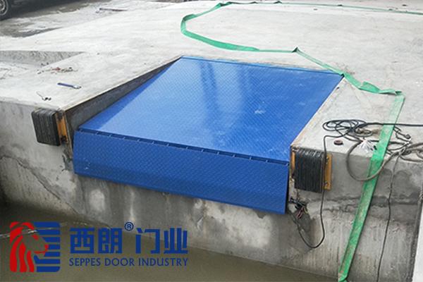 江阴长庚高科技材料固定登车桥